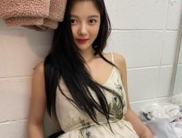 김유정 인스타3장
